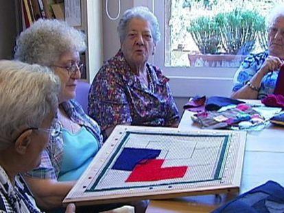Ancianos en una residencia geriátrica en Alella.