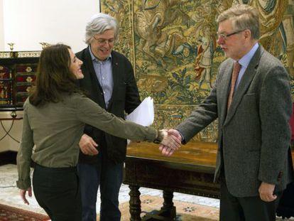 Bakartxo Tejeria da la bienvenida a los parlamentarios europeos de visita a Euskadi.