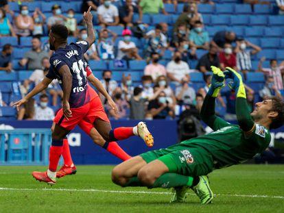 Lemar celebra su gol frente al Espanyol.