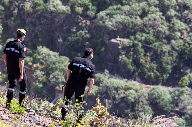 Efectivos durante la búsqueda este lunes en varios enclaves de los municipios de Santa María de Guía y Arucas, en el norte de Gran Canaria.