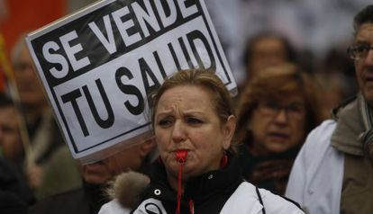 Protesta contra la privatización de la sanidad en Madrid en diciembre de 2012.