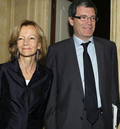 Elena Salgado, ministra de Economía, y Aurelio Martínez, presidente de la Sociedad Estatal de Loterías y Apuestas del Estado (LAE)