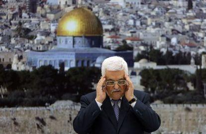 Abbas reza por los muertos en Gaza, el martes en Ramala.