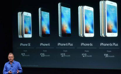 El vicepresidente de marketing de Apple presenta el iPhone SE.