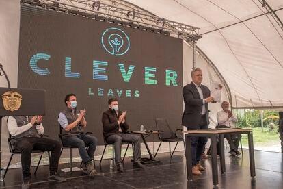 El presidente colombiano Iván Duque, tras firmar un acuerdo con la empresa Clever Leaves, en Boyacá, Colombia, el 23 de julio.