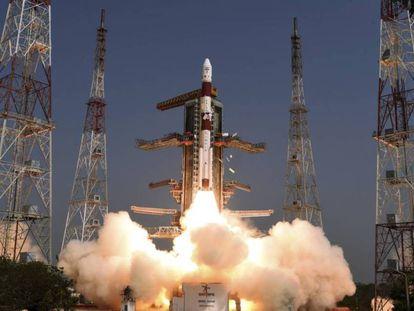 India lanza este lunes al espacio su satélite de inteligencia electrónica EMISAT desde Chennai, en el sureste del país.