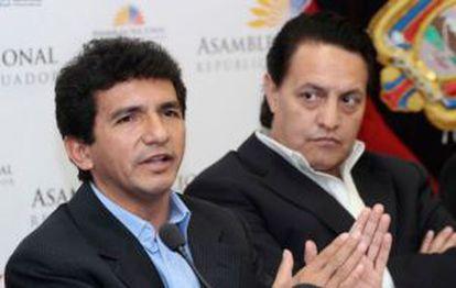 El asambleísta Cléver Jiménez y el periodista Fernando Villavicencio