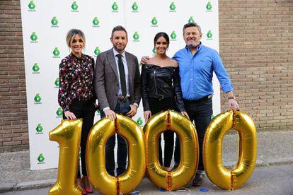 Desde la izquierda Anna Simon, Frank Blanc, Cristina Pedroche y Micky Nadal celebrando los mil programas de 'Zapeando' (La Sexta) en noviembre de 2017.