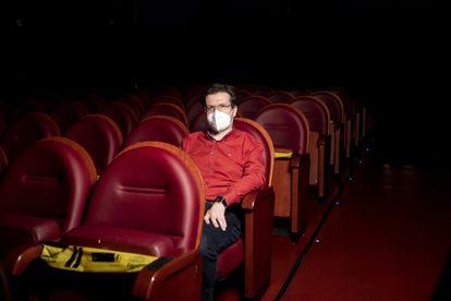 Mario Iglesias lleva 17 años acudiendo al Cine Doré.