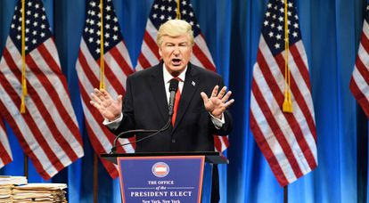 Alec Baldwin, caracterizado como Donald Trump en el programa 'Saturday Night Live'.