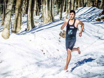 Karim El Hayani durante su carrera sobre la nieve.
