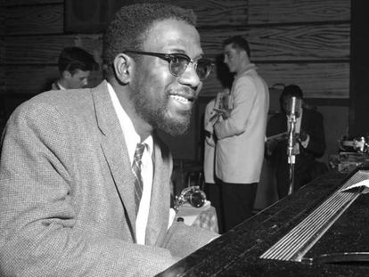 El pianista Thelonious Monk, en una actuación en Nueva York (1956).