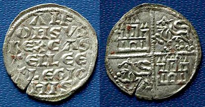 Two coins from the reign of Alfonso VIII belonging to the third treasure found in Calatrava La Vieja.