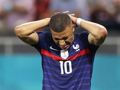 Mbappé, tras fallar el penalti ante Suiza.