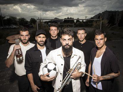De izquierda a derecha, Lekue, Balenziaga, Vesga, Villalibre, De Marcos y Dani García, el grupo Orsai.