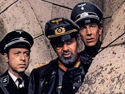 Jerry Lewis, en el centro, como el mariscal Kesselring en '¿Dónde está el frente?'