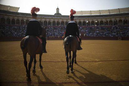Tarde de toros en la plaza de La Maestranza.