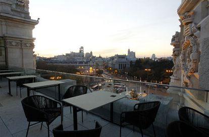 La terraza del restaurante Palacio Cibeles, ubicado en el Ayuntamiento de Madrid, en el Palacio de Comunicaciones, ofrece vistas del centro de Madrid.