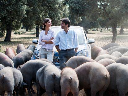 El actor Fernando Corral y la actriz Susan Hoecke, protagonistas de la película 'Un verano en Salamanca'.