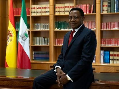Miguel Edjang Angue, embajador de la República de Guinea Ecuatorial en España, en la sede de legación diplomática en Madrid.