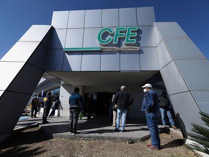 Una oficina de la CFE en Saltillo, Coahuila, durante el apagón de febrero.