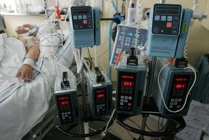 La tecnología permite prolongar la vida de los pacientes terminales sin esperanza de mejoría alguna.