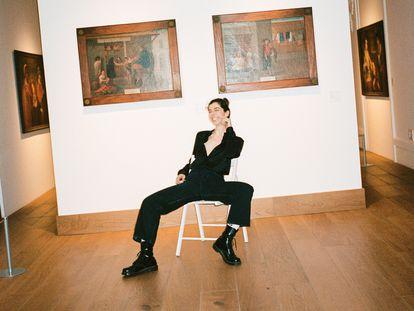 Julia de Castro es de las que se recogen pronto y madrugan para hacer yoga. Aquí, posa para ICON en la Casa de México de Madrid.