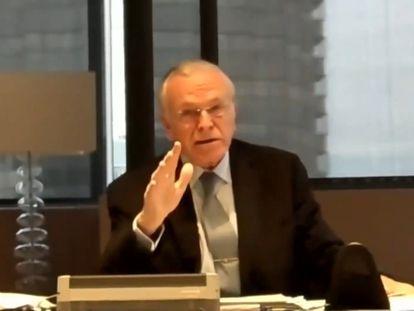 El presidente de la Fundación La Caixa, Isidro Fainé, durante su intervención telemática en el foro de la CEOE.