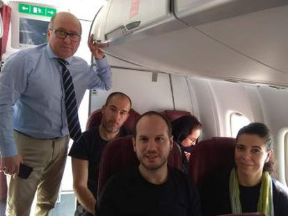 Carmelo Barrio (PP), Josu Estarrona (EH Bildu), Íñigo Martínez (Elkarrekin Podemos) y Eva Juez (PNV) habían aterrizado en El Aaiún, pero las autoridades marroquíes les han impedido bajar del avión