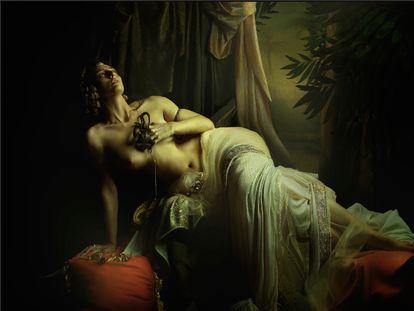 'Cleopatra', una fotografia pictorialista de Alisa Sibirskaya que puede verse en Valid Foto.