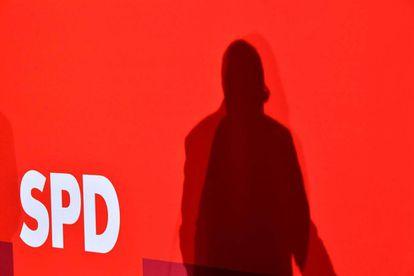 La sombra de Schulz, el líder de los socialdemócratas alemanes en una conferencia con su partido el jueves