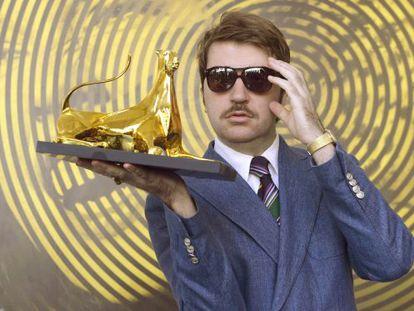 Albert Serra, con el Leopardo de Oro.