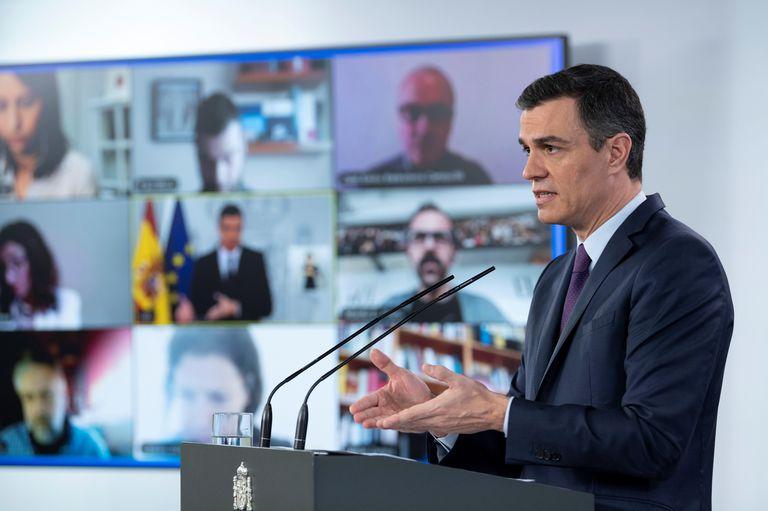 El presidente del Gobierno, Pedro Sánchez, durante la rueda de prensa que ha ofrecido este sábado en Moncloa.