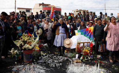 Una vigilia por los muertos durante las protestas de noviembre de 2019 en el municipio de Sacaba.