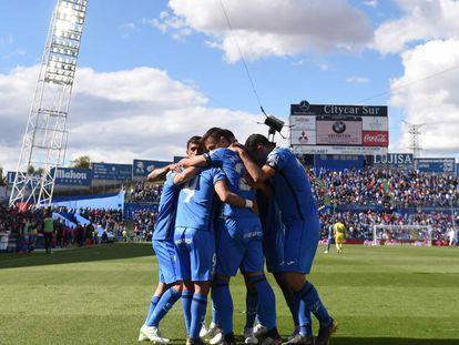 Los jugadores del Getafe celebran uno de los goles al Villarreal el 18 de mayo de 2019.