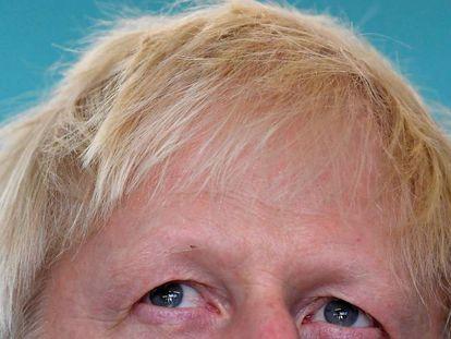 Boris Johnson, de visita a una escuela en Londres este 10 de septiembre. En vídeo, los retos a los que se enfrenta Johnson como primer ministro.