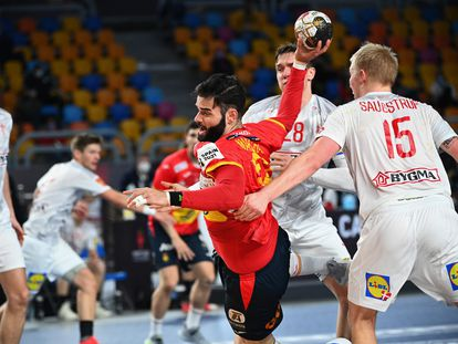 Rubén Marchán, en una acción del partido de semifinales del Mundial contra Dinamarca.