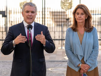Iván Duque junto a la vicepresidenta Marta Lucía Ramírez, nueva canciller de Colombia, en la Casa de Nariño, en Bogotá.