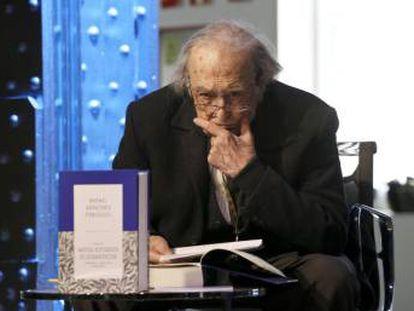Rafael Sánchez Ferlosio, en la Fundación Telefónica de Madrid, en 2015.