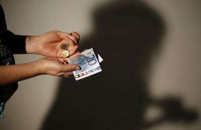 La paga semanal media de los adolescentes está en 13,5 euros.
