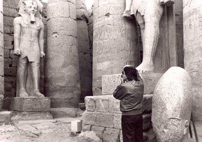 Felipe González en un viaje a Egipto en 1987.