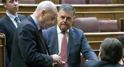 Manuel Chaves y José Antonio Viera, en el Congreso en una imagen de archivo.