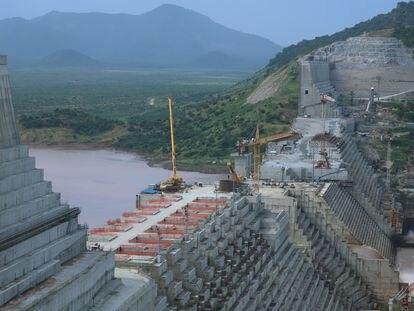 La construcción de la pesa del Renacimiento vista desde Guba Woreda (Etiopía) el pasado septiembre.