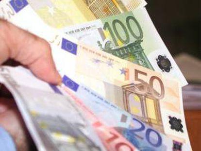 El patrimonio neto negativo conjunto de Catalunya Banc, Banco de Valencia y NCG Banco se eleva a 16.105 millones de euros, de acuerdo con un comunicado de prensa remitido hoy por el Fondo de Reestructuración Ordenada Bancaria (FROB). EFE/Archivo