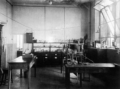 Laboratorio de Química situado en el interior del Pabellón Transatlántico de la Residencia de Estudiantes.
