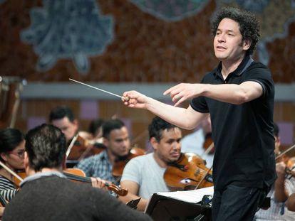 10/03/17 Ensayo del director Gustavo Dudamel con la orquestra sinfonica Simon Bolivar en el Palau de la Musica. Barcelona, 10 de marzo de 2017 [ALBERT GARCIA].