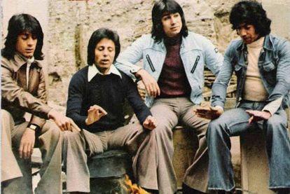Los Chorbos, pioneros del Sonido Caño Roto. Manzanita es el segundo por la derecha.
