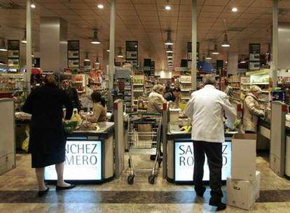 Interior de la tienda Sánchez Romero, ubicada en el centro comercial Arturo Soria Plaza.