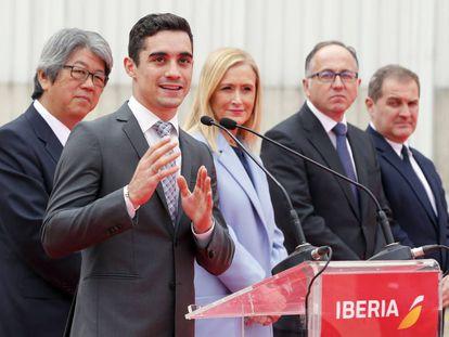 Javier Fernández, este lunes, en un acto de Iberia con Cifuentes.