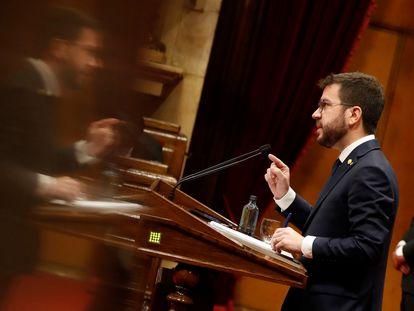 Pere Aragonès durante la segunda jornada del debate de su investidura en el Parlament.